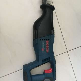 Bosch CRS180K cordless reciprocating saw