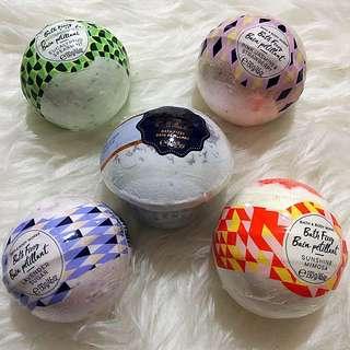 Bath & body works bath fizzy (bath bomb) #CNY88