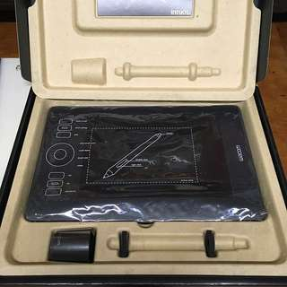 Wacom intuos 5 touch (small) PTH450 繪圖板