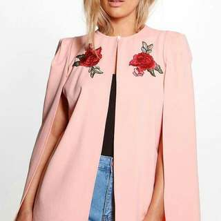 Online Sale: P320 only !!!  💋Embroidered Floral Cape Blazer  💫Texture cotton, thick fabric  💫Single front button  💫Embroidered Floral  💫Free size fits S-Semi L 💫2 colors  💫Good quality