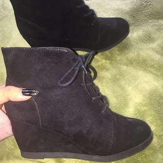 SUEDE ANKLE LACE UP HEEL BOOT