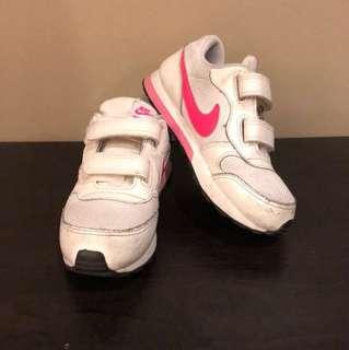 Nike MD Runner2 size US 10c