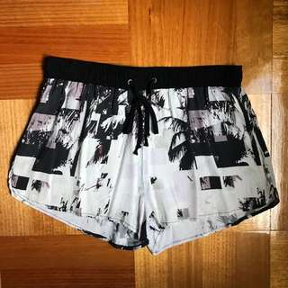 Isla printed shorts