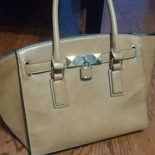 Beautiful brown aldo purse only used once