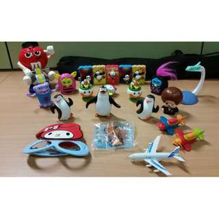 Lot of 22 pcs toy figurines