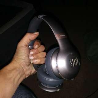 JBL Everest310 Bluetooth headphones