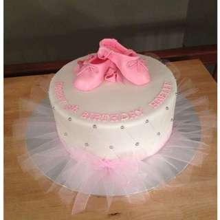 Customise 🎂 cakes