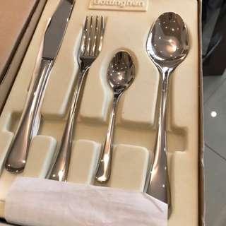 Gottinghen 24 piece Silverware