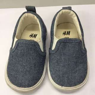 H&M infant shoes
