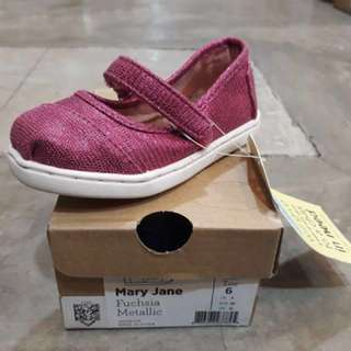 TOMS baby girl shoes - Mary Jane Fuschia Mettalic
