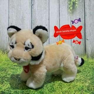 Boneka Macan