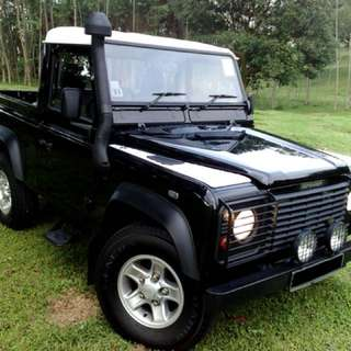 Land Rover Defender TD5 90 Manual Pick-up 2dr