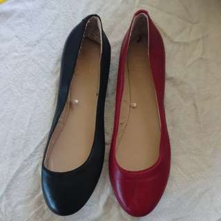 FLATS AVAILABLE IN RED AND BLACK