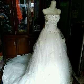 Gaun Pengantin Putih kondisi 95% Bagus!