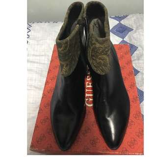 REPRICED!!!Ankle cut leather ladies boots