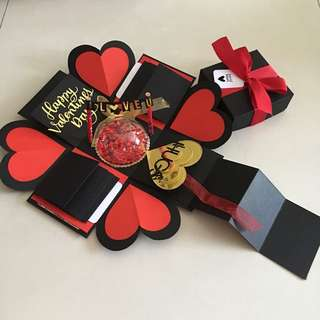 Valentine explosion box with personalised photo shaker , 8 waterfall and pull tab in black , red & gold
