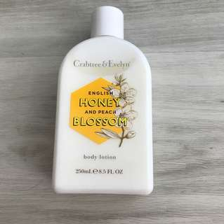 Crabtree & Evelyn Body Lotion - English Honey and Peach Blossom