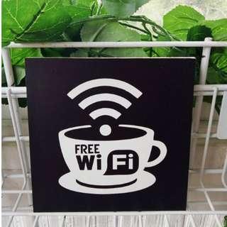Hiasan Dinding Free Wifi Black