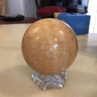 Yellow jade ball