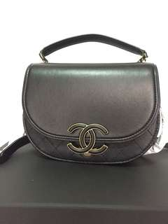 Chanel Coco Curve Flap small bag (21cm)