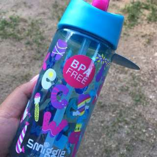 Smiggle bottle kids tumbler