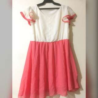 Chiffon dress with pink accent