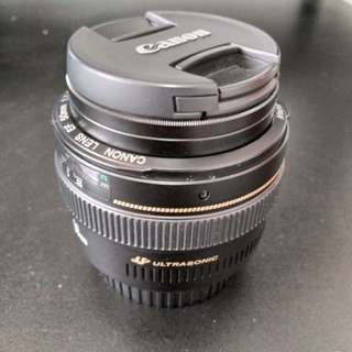 Selling Canon 50mm 1.4
