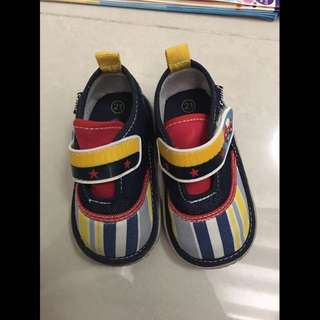 Infant shoes/ sneakers