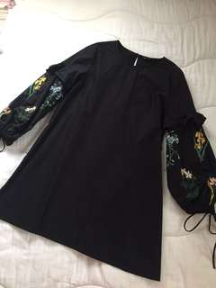 Zara embroidered dress | used once