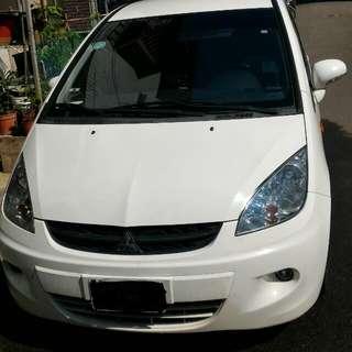 三菱ColtPlus2012. 白色