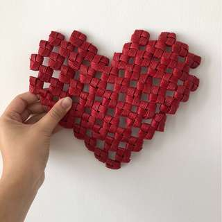 [Wedding décor for rent] Red rattan-weaved heart décor $3