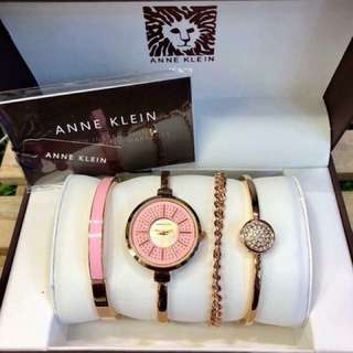 ANNE KLEIN, Authentic quality