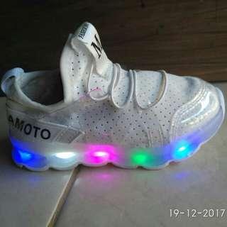 Sepatu anak LED uk 22-26