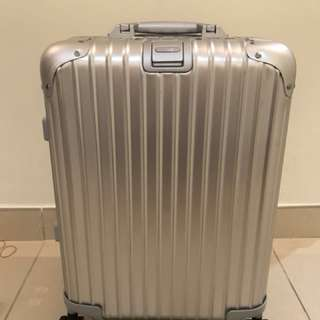 PreLoved Rimowa Suitecase Topaz 32L