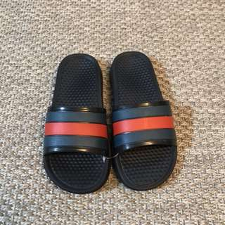 Slip ons for kid fits to 2-7 years old