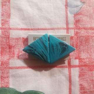 🚚 藍色大理石紋復古耳夾