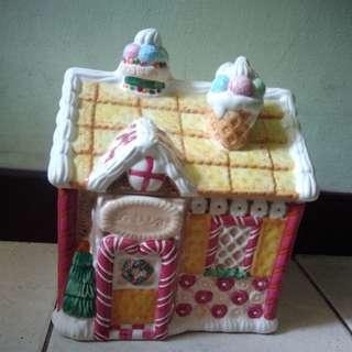 Box keramik model rumah