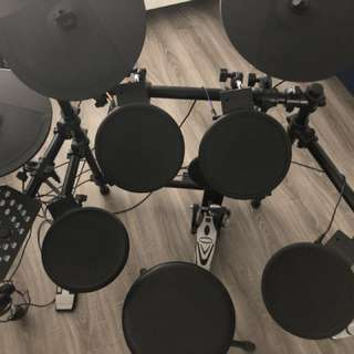 Edk260 electronic drum kit.
