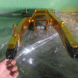 Arm alloy 125