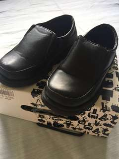 Black leather toddler shoes