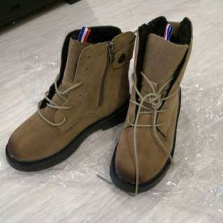 Winter boots size 35