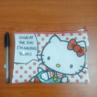 Hello Kitty zipper pouch