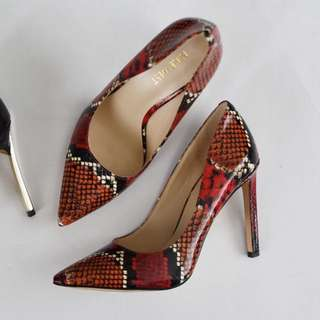Size 36 pumps