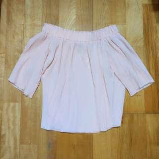 🚚 櫻花粉色百折氣質露肩一字領上衣 #半價衣服市集