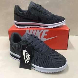 Nike Cortee