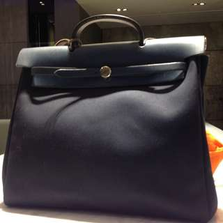 多人詢問 80% NEW HERMES NAVY BLUE HERBAG  (PRICE NEGOTIABLE) 38CM