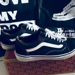 Vans os black white original