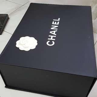 Chanel box (big)