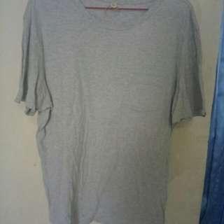 Tshirt Uniqlo Grey