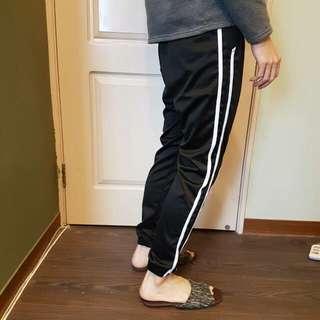 全新 條紋運動褲  可交流